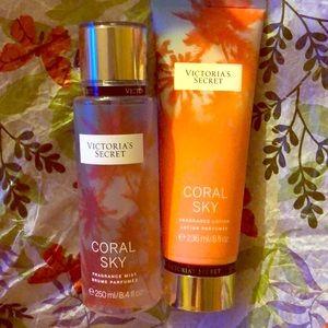 ☀️BUNDLE!☀️ Victoria's Secret Mist and Lotion set!